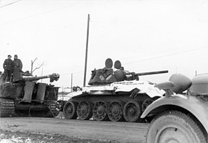 Operation Winter Storm - Image: Bundesarchiv Bild 101I 457 0065 36, Russland, Panzer VI (Tiger I) und T34