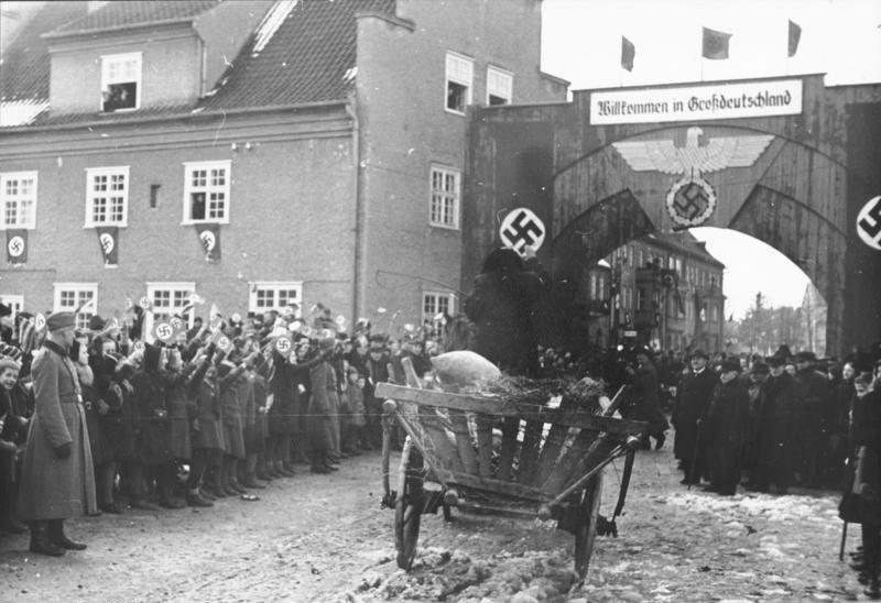 Bundesarchiv Bild 137-065743, Ostpreußen, Ankunft von Umsiedlern aus Litauen