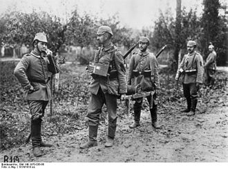 Telegraph troops - German soldiers laying cable in the First World War