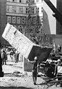 Bundesarchiv Bild 183-1990-0618-306, Berlin, Charlottenstraße, Abriss der Mauer.jpg