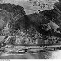 Bundesarchiv Bild 195-0292, Rheinbefliegung, Fellen.jpg