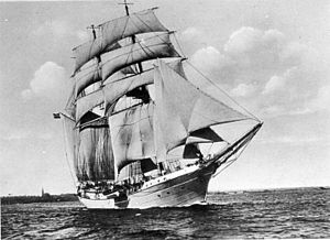Jackass-barque - Niobe, training ship of the German navy, here rigged as jackass-barque (1930).