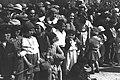 "CROWDS WATCHING THE ""ADLOYADA"" PURIM CARNIVAL IN TEL AVIV. פורים בתל אביב. בצילום, קהל צופה בתהלוכת העדלאידע.D21-107.jpg"