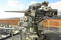 """Cañón Mk.22 de 76 mm (3""""-50) visto desde babor (16004573524).jpg"""
