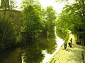 Canal at Saltaire - panoramio.jpg