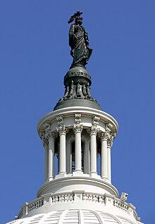 Linterna de cúpula del Capitolio Washington.jpg