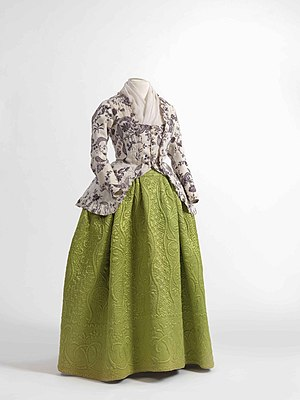 Caraco - Image: Caraco jacket in printed cotton, 1770 1790, skirt in quilted silk satin, 1750 1790