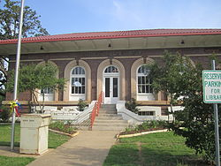 Carnegie Library in Franklin