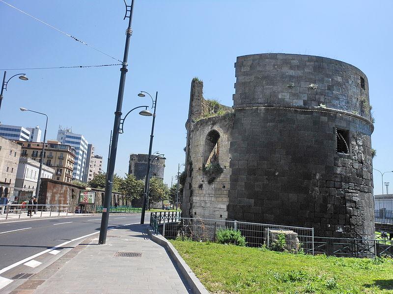 File:Castello del Carmine.jpg