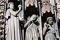 Cathédrale de Strasbourg, façade, tentateur et vierges folles.jpg