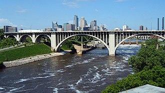 10th Avenue Bridge - The 10th Avenue Bridge in Minneapolis