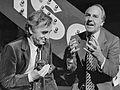 Charles Aznavour en Willem Duys (1980).jpg