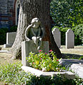 Child angel on a child's grave - Oak Hill Cemetery - 2013-09-04.jpg