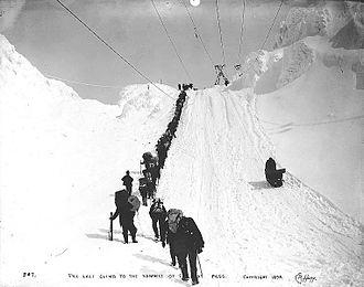 Chilkoot Pass - Last trek over the summit, 1898