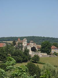Church and Castle in Savianges (France).JPG