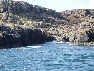 Coastline, SE Little Colonsay - geograph.org.uk - 1012665.jpg
