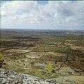 Collectie Nationaal Museum van Wereldculturen TM-20029757 Uitzicht over landschap met duidelijke erfafscheidingen Bonaire Boy Lawson (Fotograaf).jpg