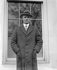 Commander Donald Baxter MacMillan at White House 30 mar 1925.jpg