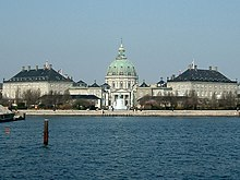 List of palaces - Wikipedia, the free encyclopedia