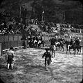 Courses de taureaux les guides à cheval, Luchon, 18 juin 1899.jpg