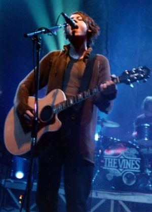 The Vines (band) - Craig Nicholls performing with the Vines in 2004