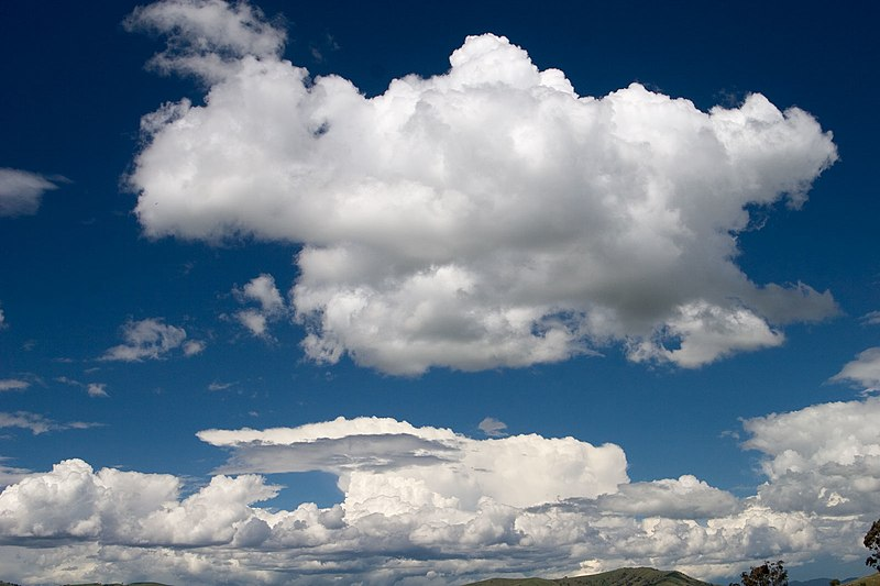 File:Cumulus cloud.jpg