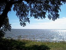 Sound geography wikipedia a live oak on knotts island north carolina overlooks the currituck sound freerunsca Image collections