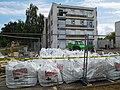 Désamiantage, big-bags et immeuble.jpg