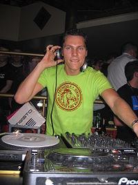 DJ Tiesto2005.jpg
