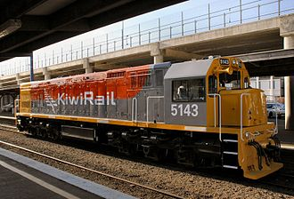 New Zealand Railways Corporation - DXB5143, the first locomotive to be painted in the KiwiRail livery, stands at Wellington Railway Station Platform 9 on 1 July 2008.