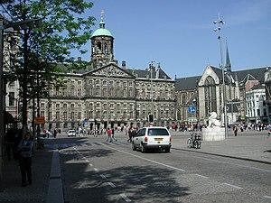 Dam Square - Image: Dam Amsterdam 2005
