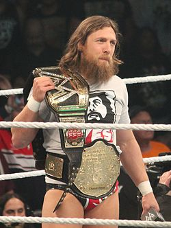 Bryan come il WWE World Heavyweight Champion nell'aprile 2014.