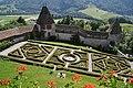 Das Schloss Greyerz.Esplanade und Garten.jpg