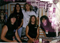 Death in Mexiko-Stadt im Juni 1989: (von links) Terry Butler, Paul Masvidal, Eric Greif (Manager), Bill Andrews, Chuck Schuldiner.