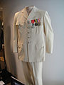 "Debbie Reynolds Auction - Claude Rains ""Captain Louis Renault"" ivory military suit from ""Casablanca"" (5851596823) (2).jpg"