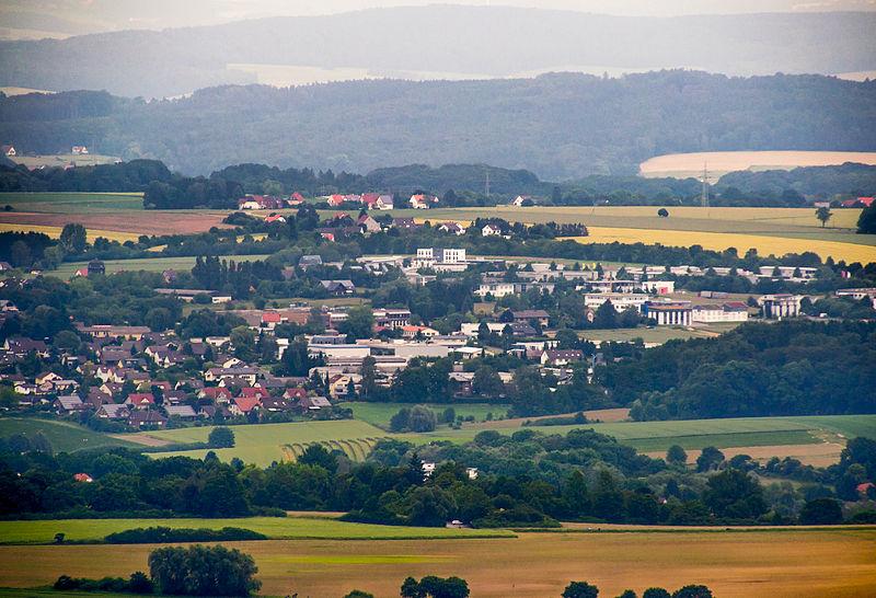 File:Detmold - 2014-06-08 - Aussichtspunkt Hangstein - Rödlinghausen.jpg
