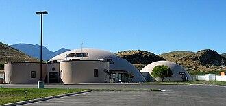 Monolithic dome - Example of a Monolithic dome at the Centro de la Familia de Utah Migrant Head Start Center, Genola, Utah.