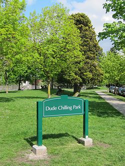 Sign installation at the west end of Guelph Park