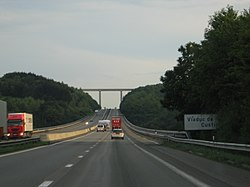 E411 viaduc.jpg