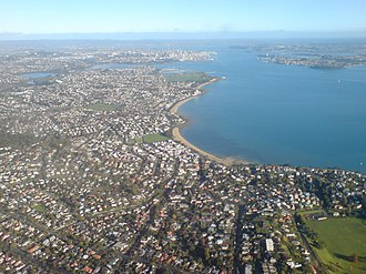 Saint Heliers - Looking westwards over St Heliers (foreground) and the other eastern beaches to the CBD in the distance