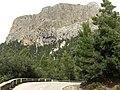 El pico del monte y la carretera, Mallorca - panoramio.jpg