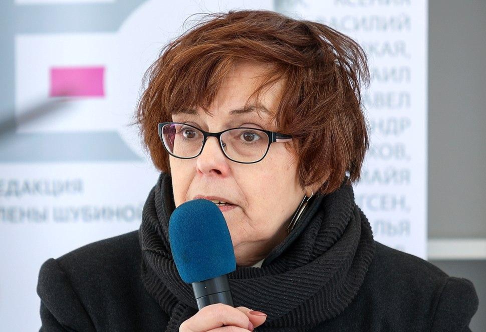 Российская писательница Елена Чижова обвинила Сталина в блокаде Ленинграда