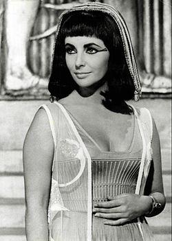 Elizabeth Taylor Cleopatra 1963.JPG
