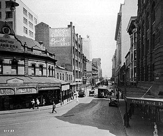 Elizabeth Street, Sydney - Elizabeth Street, looking south from the intersection of Hunter Street, 11 January 1933.