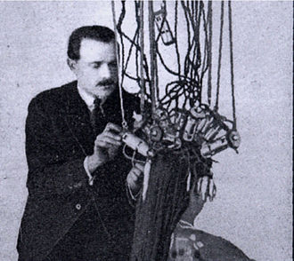 Perm (hairstyle) - Eugene Suter using early heaters designed by Isidoro Calvete. The heaters had two windings that heated the ends and roots separately