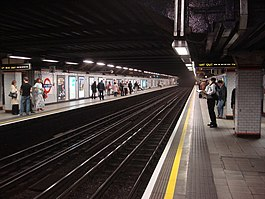 Euston Square tube station, Westbound platform - geograph.org.uk - 977128.jpg