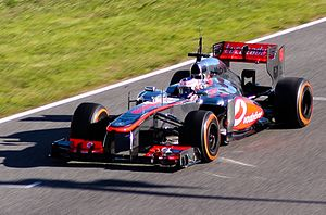 F1 Jerez 2013 - McLaren and Ferrari (Cropped).jpg