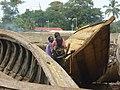 Façonneurs de pirogues Conakry.jpg