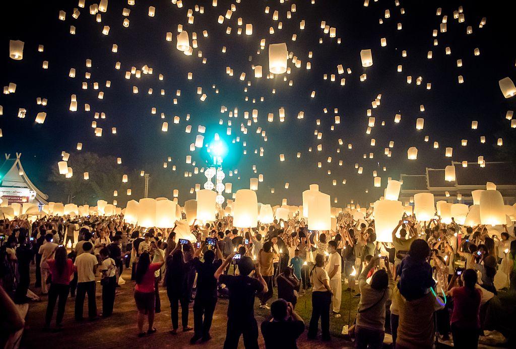 Festival Yi Peng. ChiangMai, Tailandia. (16786888573)
