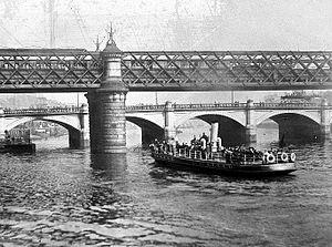 Caledonian Railway Bridge - The first bridge
